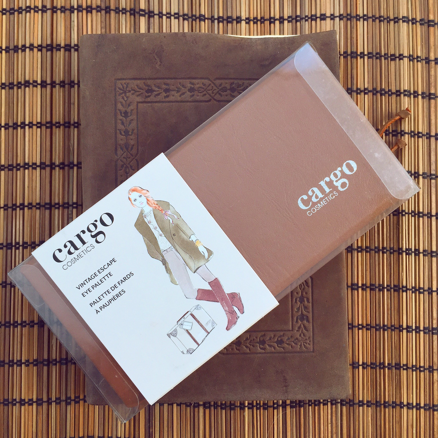 cargo-vintage-escape-packaging